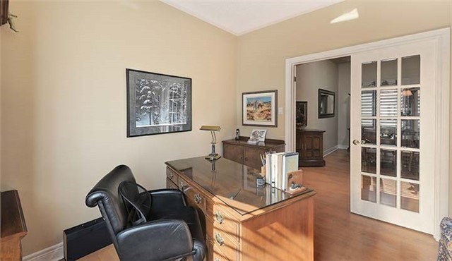 Detached at 26 Boros Link, Whitchurch-Stouffville, Ontario. Image 16