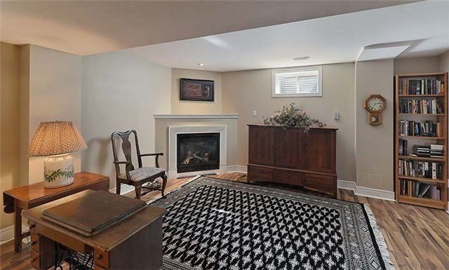Detached at 26 Boros Link, Whitchurch-Stouffville, Ontario. Image 4