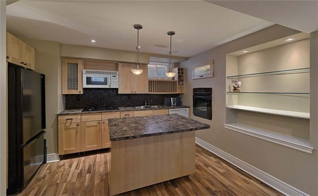 Detached at 26 Boros Link, Whitchurch-Stouffville, Ontario. Image 5