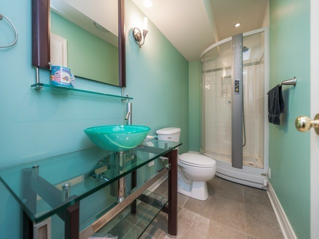 Detached at 26 Boros Link, Whitchurch-Stouffville, Ontario. Image 6