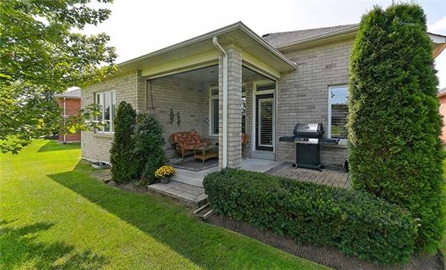 Detached at 26 Boros Link, Whitchurch-Stouffville, Ontario. Image 10