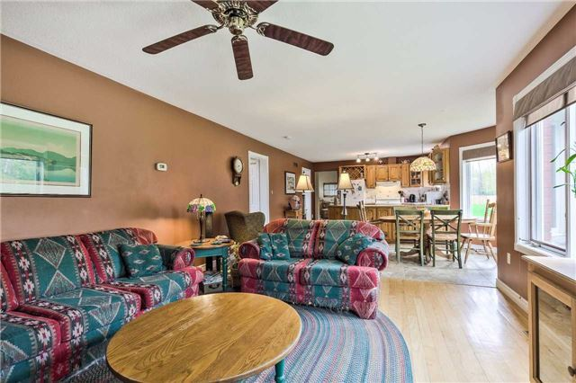 Detached at 3658 Kimberley St, Innisfil, Ontario. Image 17