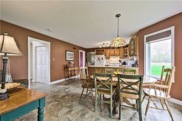 Detached at 3658 Kimberley St, Innisfil, Ontario. Image 18