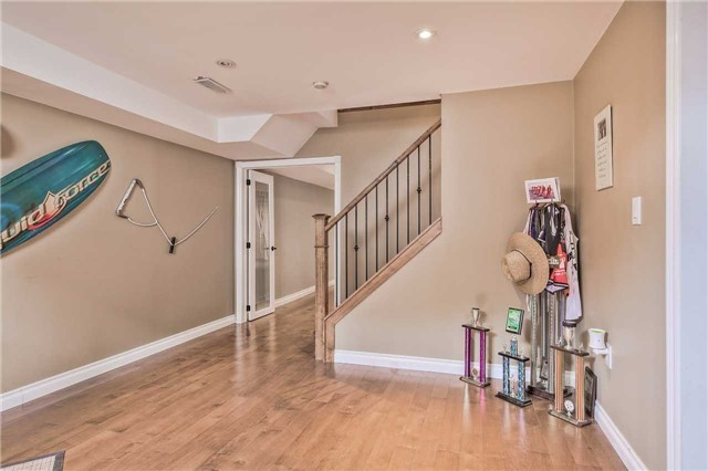 Detached at 3658 Kimberley St, Innisfil, Ontario. Image 7