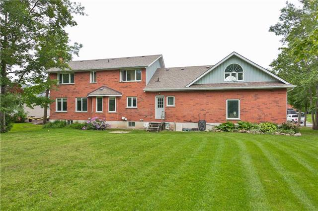 Detached at 3658 Kimberley St, Innisfil, Ontario. Image 11