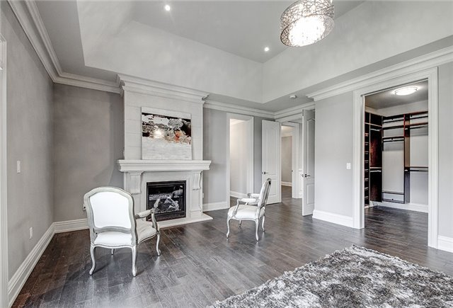 Detached at 125 Moray Ave, Richmond Hill, Ontario. Image 5