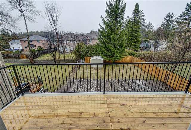 Detached at 125 Moray Ave, Richmond Hill, Ontario. Image 6