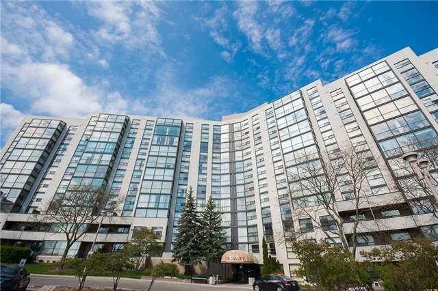 Condo Apartment at 30 Harding Blvd W, Unit 807, Richmond Hill, Ontario. Image 1