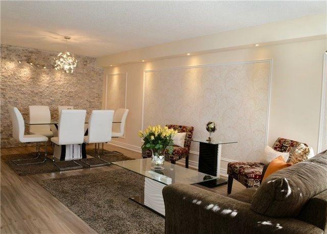 Condo Apartment at 30 Harding Blvd W, Unit 807, Richmond Hill, Ontario. Image 13