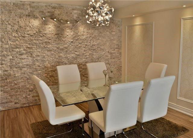 Condo Apartment at 30 Harding Blvd W, Unit 807, Richmond Hill, Ontario. Image 14