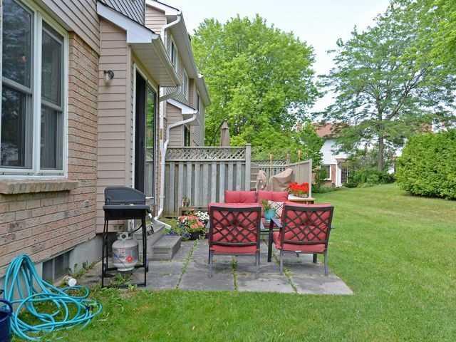 Condo Townhouse at 44 Adams Crt, Uxbridge, Ontario. Image 8