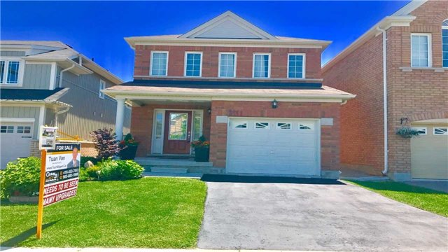 Detached at 731 Miller Park Ave, Bradford West Gwillimbury, Ontario. Image 1