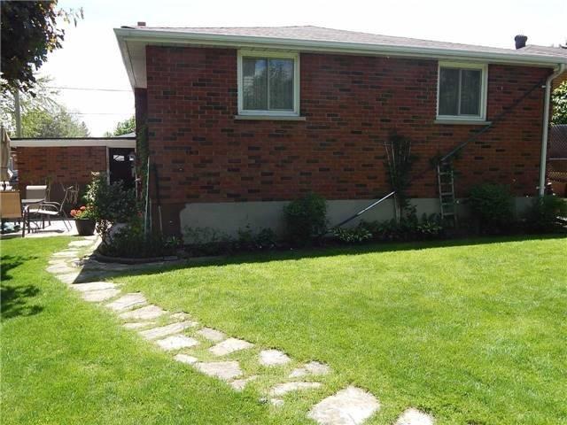 Detached at 103 Luxury Ave, Bradford West Gwillimbury, Ontario. Image 12