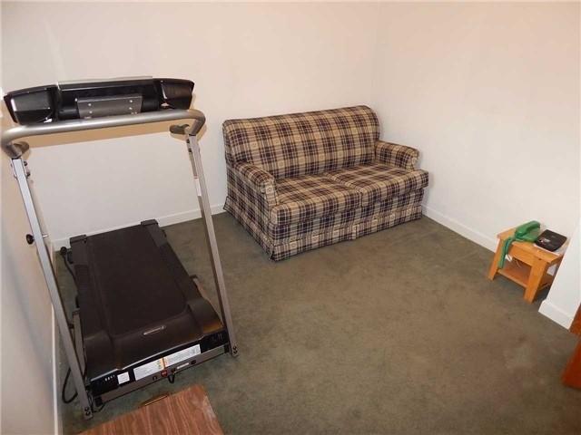 Detached at 103 Luxury Ave, Bradford West Gwillimbury, Ontario. Image 20