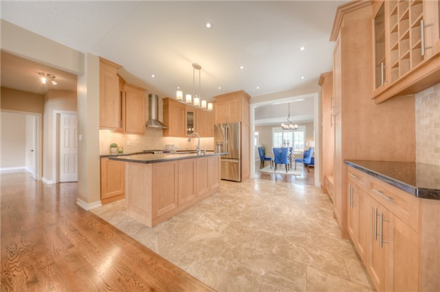 Detached at 86 Vellore Ave, Vaughan, Ontario. Image 18