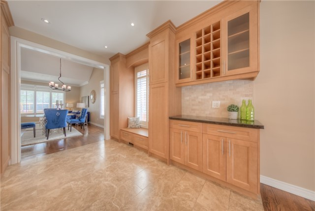 Detached at 86 Vellore Ave, Vaughan, Ontario. Image 4