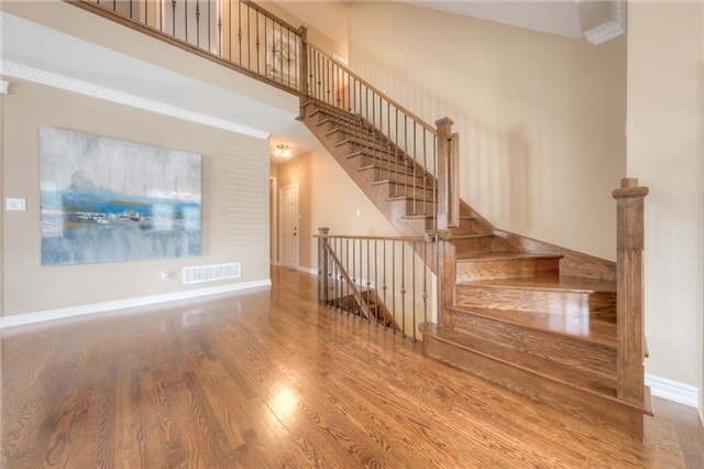 Detached at 86 Vellore Ave, Vaughan, Ontario. Image 5