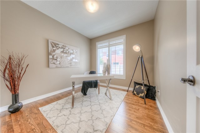 Detached at 86 Vellore Ave, Vaughan, Ontario. Image 8