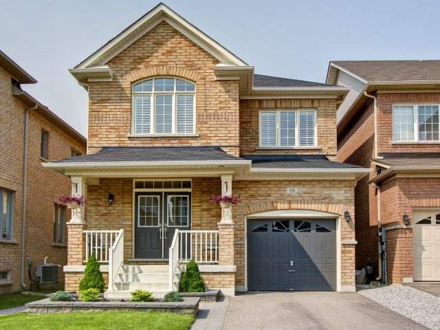 Detached at 18 Philip Brown Ave, Whitchurch-Stouffville, Ontario. Image 1