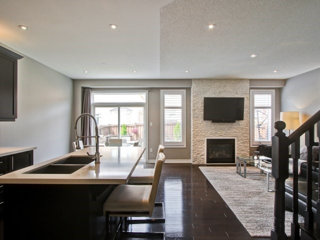 Detached at 18 Philip Brown Ave, Whitchurch-Stouffville, Ontario. Image 18