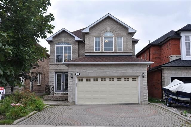 Detached at 152 Colesbrook Rd, Richmond Hill, Ontario. Image 1