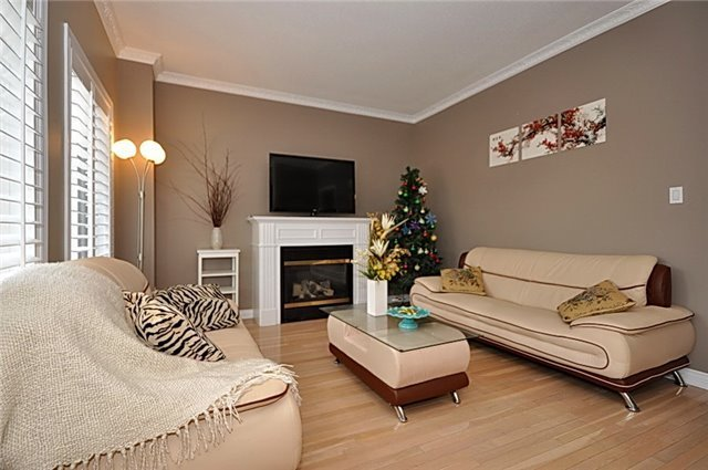 Detached at 152 Colesbrook Rd, Richmond Hill, Ontario. Image 20