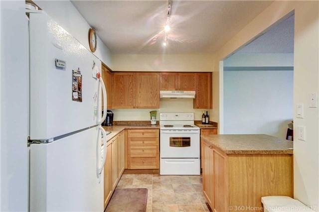 Condo Apartment at 260 Davis Dr, Unit 403, Newmarket, Ontario. Image 12