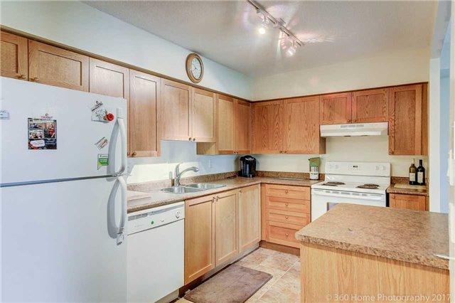Condo Apartment at 260 Davis Dr, Unit 403, Newmarket, Ontario. Image 14