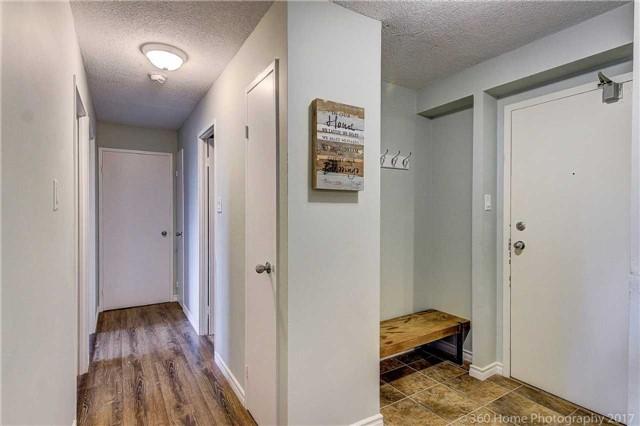 Condo Apartment at 260 Davis Dr, Unit 403, Newmarket, Ontario. Image 16