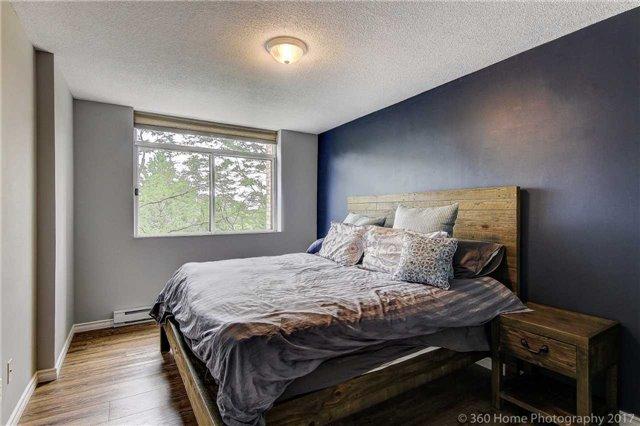Condo Apartment at 260 Davis Dr, Unit 403, Newmarket, Ontario. Image 17