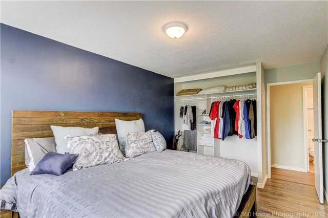 Condo Apartment at 260 Davis Dr, Unit 403, Newmarket, Ontario. Image 18