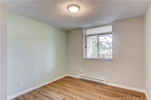 Condo Apartment at 260 Davis Dr, Unit 403, Newmarket, Ontario. Image 19