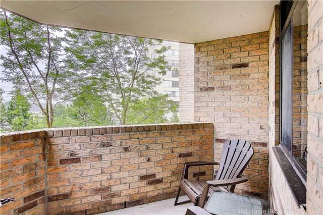Condo Apartment at 260 Davis Dr, Unit 403, Newmarket, Ontario. Image 7