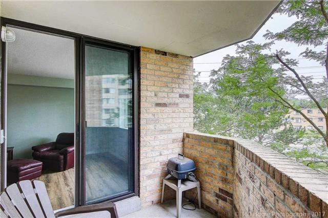 Condo Apartment at 260 Davis Dr, Unit 403, Newmarket, Ontario. Image 8