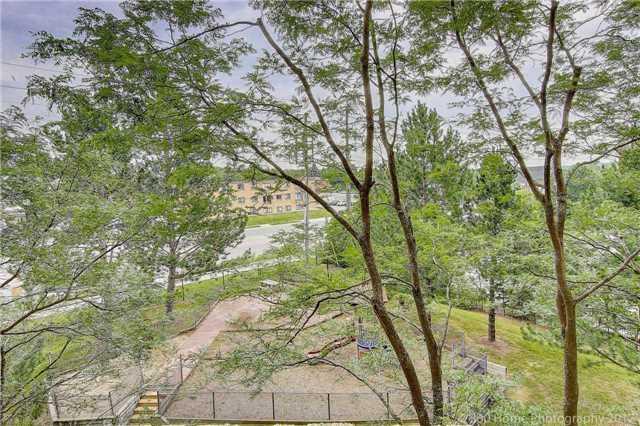 Condo Apartment at 260 Davis Dr, Unit 403, Newmarket, Ontario. Image 9