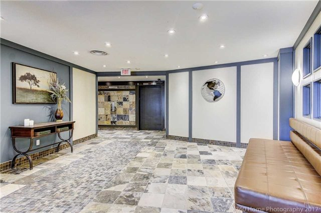 Condo Apartment at 260 Davis Dr, Unit 403, Newmarket, Ontario. Image 10