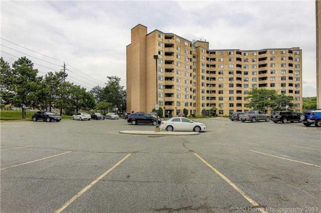 Condo Apartment at 260 Davis Dr, Unit 403, Newmarket, Ontario. Image 13