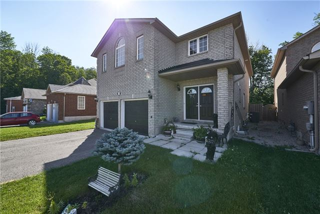 Detached at 1329 Lowrie St, Innisfil, Ontario. Image 9