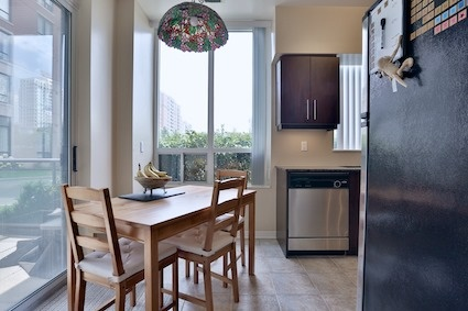 Condo Apartment at 350 Red Maple Rd, Unit 111, Richmond Hill, Ontario. Image 13