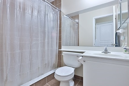 Condo Apartment at 350 Red Maple Rd, Unit 111, Richmond Hill, Ontario. Image 4