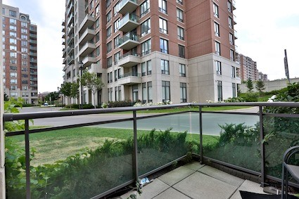 Condo Apartment at 350 Red Maple Rd, Unit 111, Richmond Hill, Ontario. Image 5