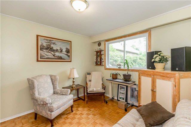Detached at 3343 Orchard Ave, Innisfil, Ontario. Image 2