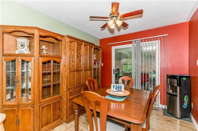 Detached at 3841 East St, Innisfil, Ontario. Image 13