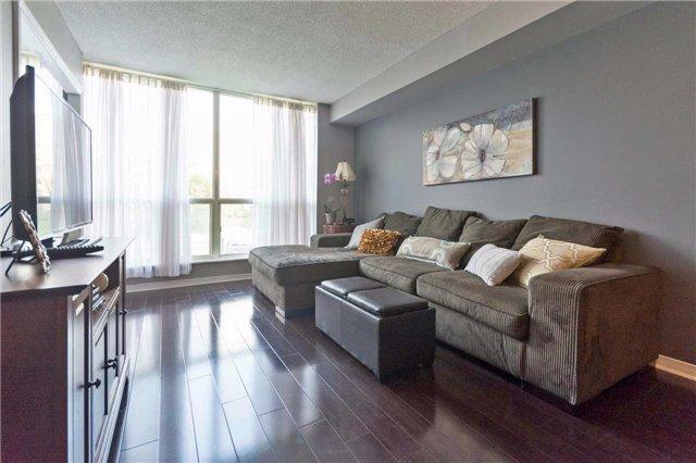 Condo Apartment at 309 Major Mackenzie Blvd, Unit 206, Richmond Hill, Ontario. Image 17