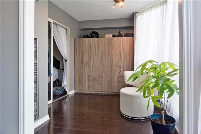 Condo Apartment at 309 Major Mackenzie Blvd, Unit 206, Richmond Hill, Ontario. Image 19