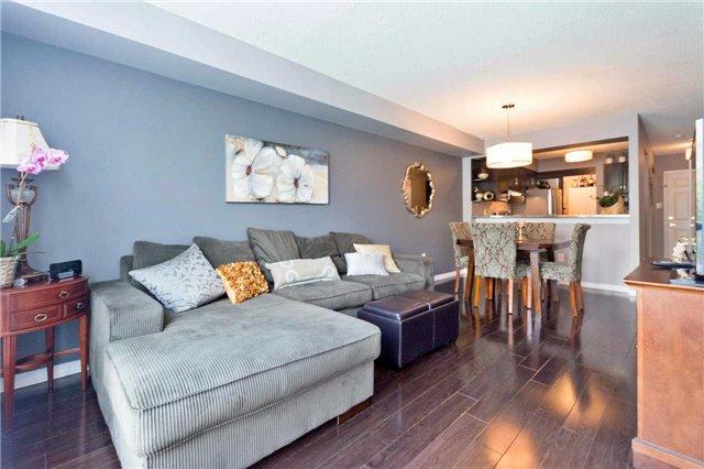 Condo Apartment at 309 Major Mackenzie Blvd, Unit 206, Richmond Hill, Ontario. Image 7