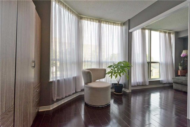 Condo Apartment at 309 Major Mackenzie Blvd, Unit 206, Richmond Hill, Ontario. Image 8