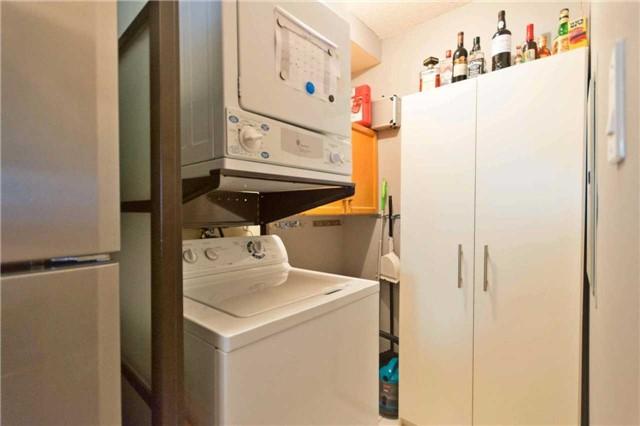 Condo Apartment at 309 Major Mackenzie Blvd, Unit 206, Richmond Hill, Ontario. Image 9
