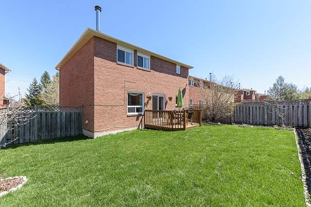 Detached at 34 Mandel Cres, Richmond Hill, Ontario. Image 11