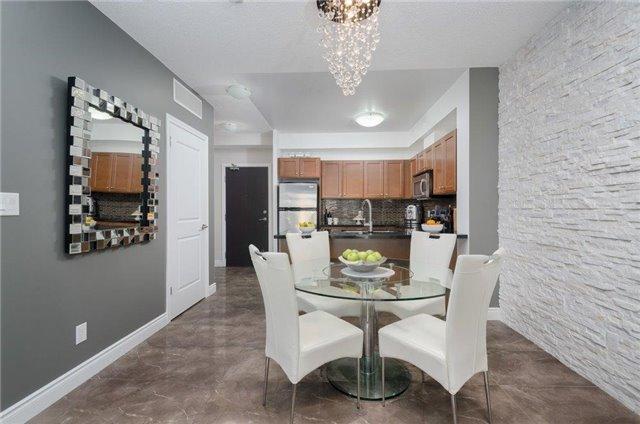 Condo Apartment at 281 Woodbridge Ave, Unit 407, Vaughan, Ontario. Image 19